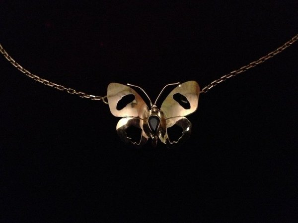 collier papillon or 18k  okz sa poire